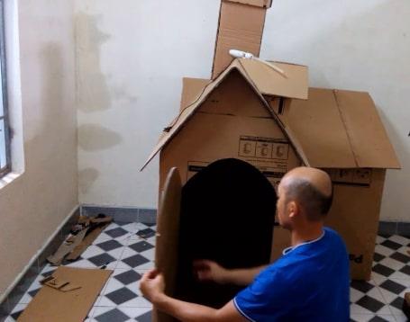 làm nhà bằng thùng carton