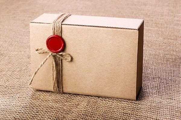 làm đồ handmade từ thùng carton