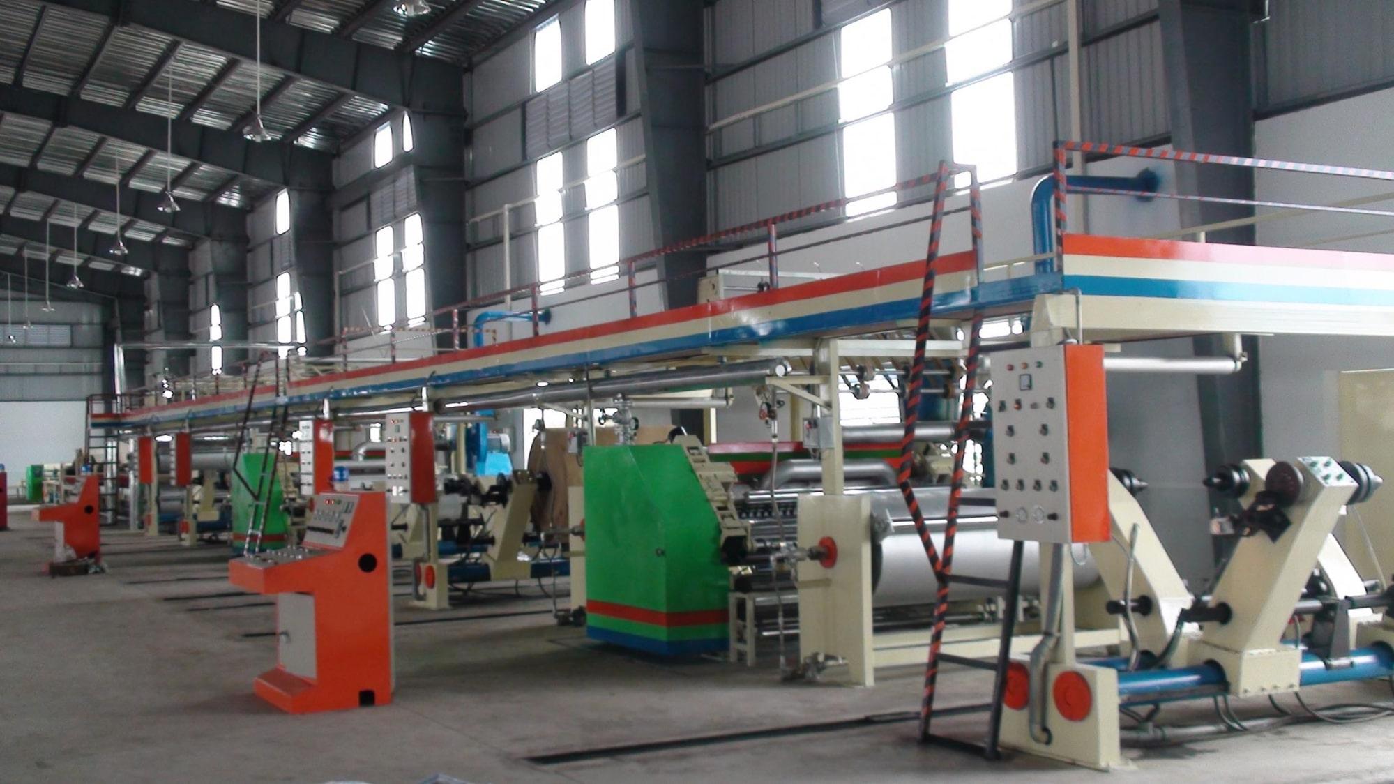 dây chuyền sản xuất của thùng carton